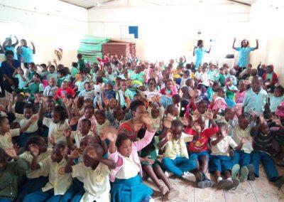 Sala de aula da Escola Luz e Vida reformada (6)